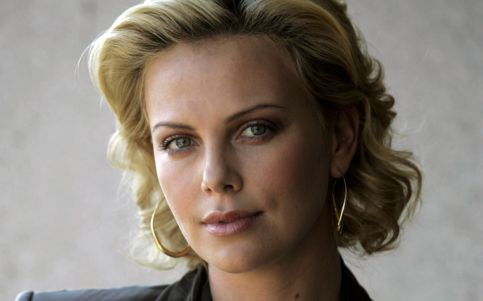 992514-charlize-theron
